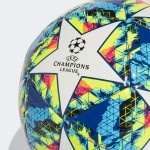 Balón #5 UCL Top Training